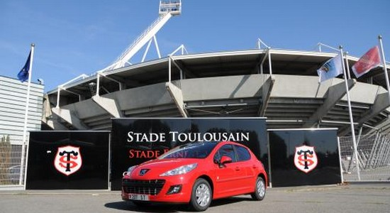 peugeot 15 ans de partenariat avec le stade toulousain automotive marketing. Black Bedroom Furniture Sets. Home Design Ideas