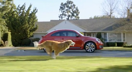 beetle superbowl Pub VW Superbowl : 1 Beetle, 1 chien..et mini Dark Vador!