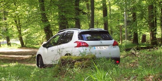 2008 champs Essai Peugeot 2008 : Voyez la ville autrement!